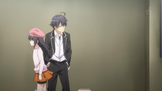 OreGairu S2 episode 7 anime - Tsurumi Rumi passes by Hikigaya Hachiman