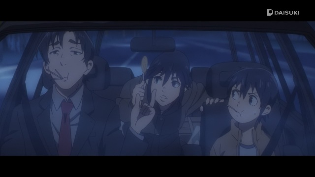 Boku dake ga Inai Machi / ERASED anime Episode 9 - Teacher Yashiro Gaku hands Fujinoma Sachiko and Satoru a candy