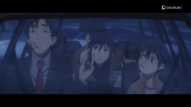 Boku dake ga Inai Machi / ERASED anime Episode 9 - Teacher Yashiro Gaku hands Fujinoma Sachiko and Satoru a candy