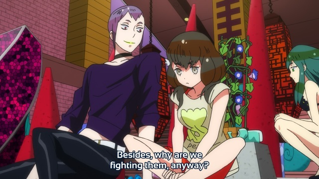Gatchaman Crowds anime episode 2 - Ichinose Hajime questions why they fight aliens